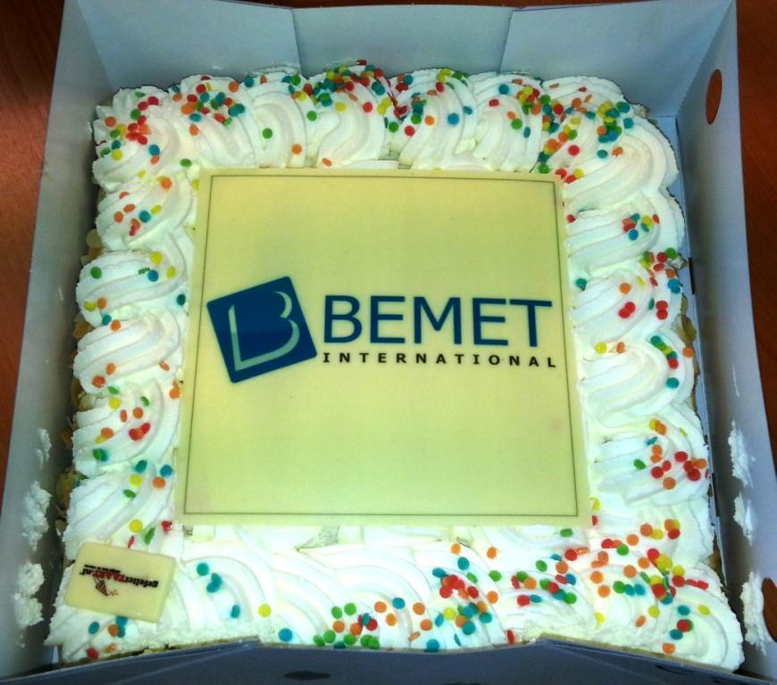 Bemet feliciteert 'wij snijden alles'